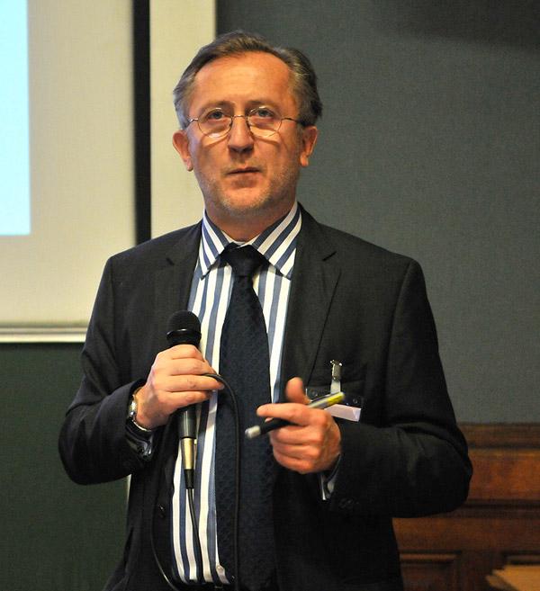 Pr. Bertrand Dousset